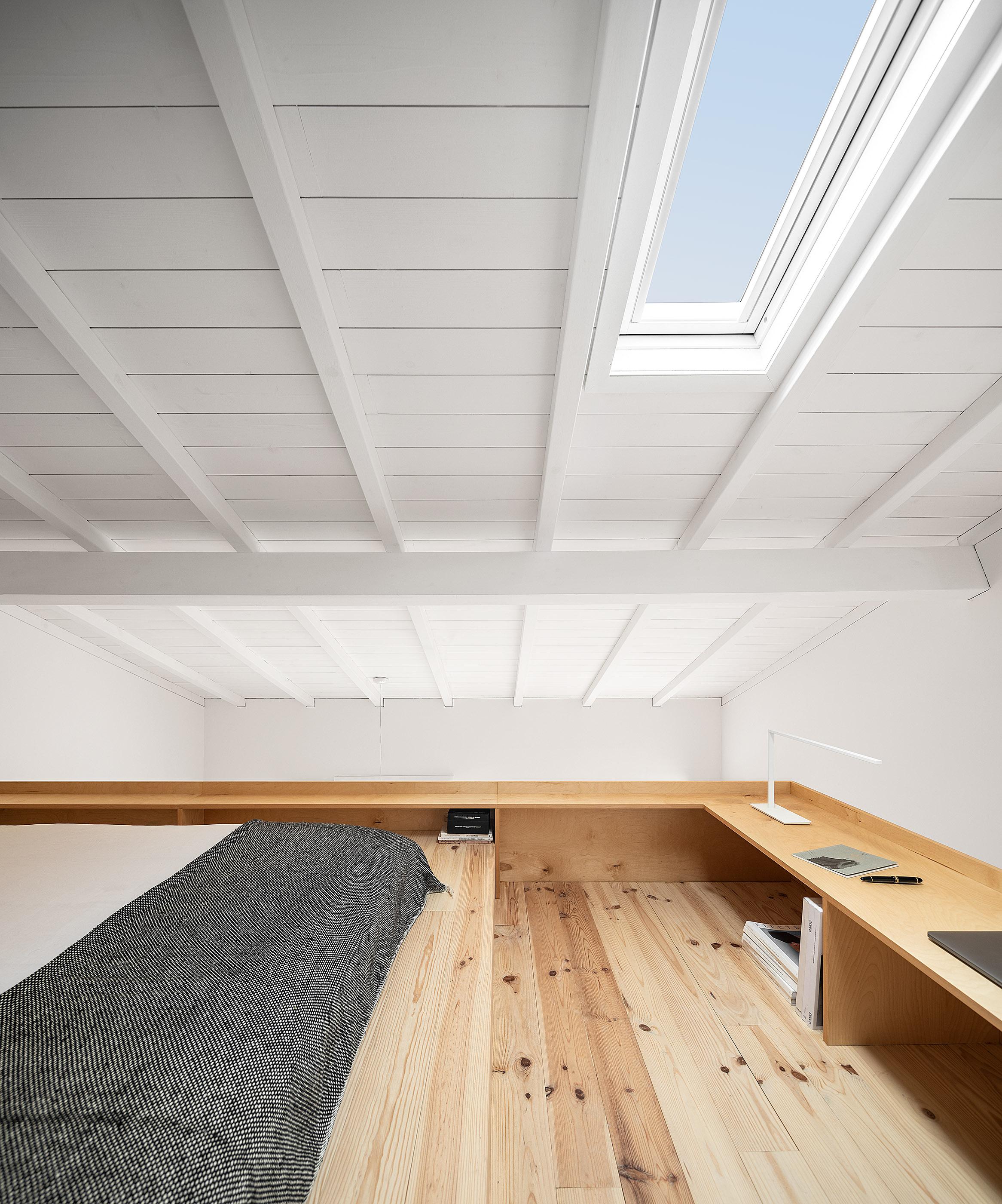 Ilha no Porto do atelier de arquitetura Impare